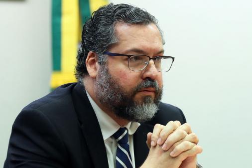 Ernesto Araújo perdeu prestígio interno e situação é insustentável, avalia diplomata