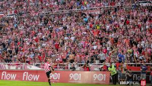Mascherano é apresentado como reforço do Estudiantes com estádio lotado