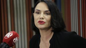Luiza Brunet: 'Não é fácil apanhar de um homem numa fase adulta'