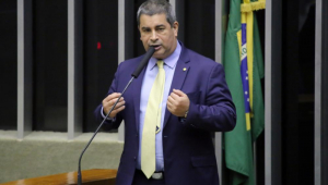 Coronel Tadeu descarta possibilidade de impeachment de Bolsonaro: 'Pode esquecer'