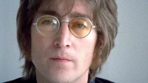 Par de óculos de John Lennon é leiloado em Londres; veja valor