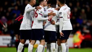 Liverpool vence Bournemouth com time misto e segue disparado na ponta do Inglês