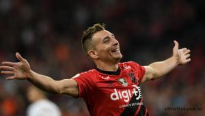 Santos perde para o Athletico-PR e ainda não assegura o vice-campeonato
