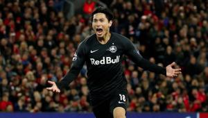 Liverpool prepara oferta por atacante japonês Minamino, do RB Salzburg