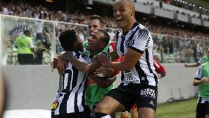Atlético-MG vence Corinthians e garante permanência na Série A