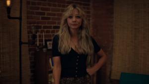 Carey Mulligan vira isca em armadilha para homens no trailer de 'Promising Young Woman'