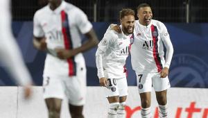 Neymar faz golaço de falta, PSG vira sobre o Montpellier e mantém folga na ponta