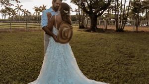 Sorocaba se casa com Biah Rodriguez e revela sexo do bebê: 'Sorocabinha vindo aí'