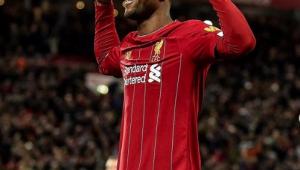 Volante do Liverpool comemora como Gabigol, mas diz não conhecer ninguém do Fla