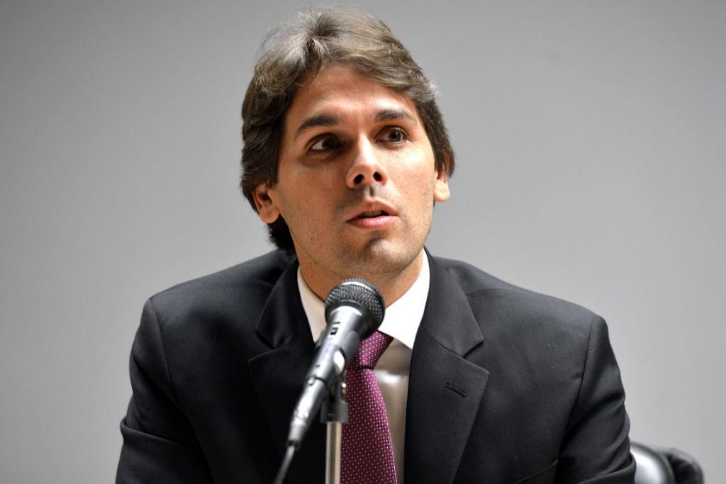 Governo anuncia a saída do presidente do INSS; Leonardo Rolim assume