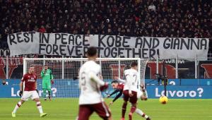Com homenagens a Kobe Bryant, Milan elimina Torino de virada na Copa da Itália