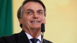 Jair Bolsonaro comemora 10 milhões de curtidas no Facebook