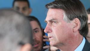 Bolsonaro recebe apoiadores no Alvorada e faz menção a Guedes e Moro