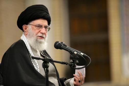Líder supremo do Irã diz que ação militar em base dos EUA 'não é suficiente'