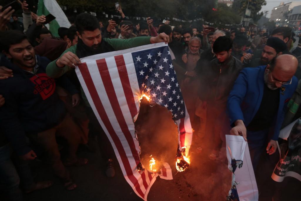 Resultado de imagem para estados unidos guerra irã