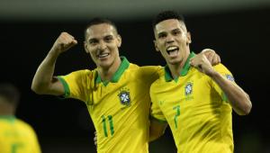 Brasil perde muitas chances, mas bate o Peru em estreia no Pré-Olímpico