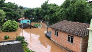 Após fortes chuvas, duas crianças morrem soterradas no Espírito Santo