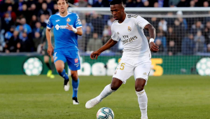 Rivaldo diz que Vinicius Jr. perderia espaço no Real com chegada de Mbappé