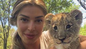 Grazi Massafera deleta foto com filhote de leão após ser detonada por Luisa Mell