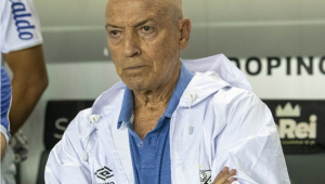 Treinador do Santos reprova início do Brasileirão em agosto: 'Temo pela saúde dos atletas'