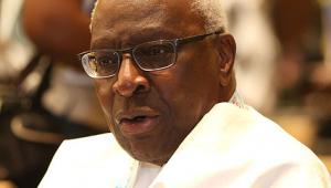 Julgamento de ex-presidente da Associação Internacional de Atletismo é adiado