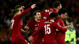 Liverpool dá férias e usa programa do governo para pagar salários de funcionários