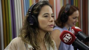 Mãe de dois, Miá Mello traz para SP peça sobre maternidade: 'Primeiros anos são exaustivos'