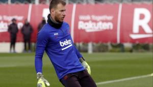 Neto sofre lesão no tornozelo e vira desfalque no Barcelona
