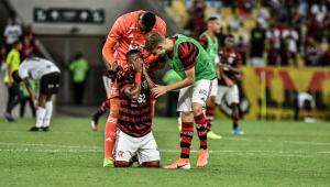 Garotos do Flamengo sofrem, mas superam Volta Redonda no fim