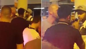 Gil, zagueiro do Corinthians, desce do carro e bate boca com torcedor após evento de Cássio; assista
