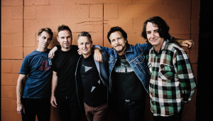 Pearl Jam lança música de álbum inédito; ouça 'Dance of the Clairvoyants'