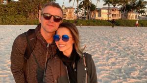 No aniversário de 37 anos, Sandy ganha declaração do marido: 'Namoradinha'