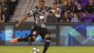 Cantillo testa positivo para Covid-19 e deve desfalcar Corinthians contra o Palmeiras