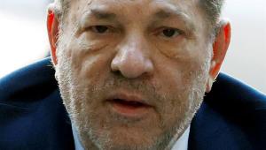 Após condenação por estupro, Harvey Weinstein sente dores no peito e é internado