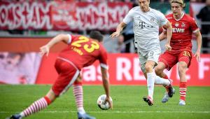 Bayern recupera a liderança do Campeonato Alemão com goleada fora de casa