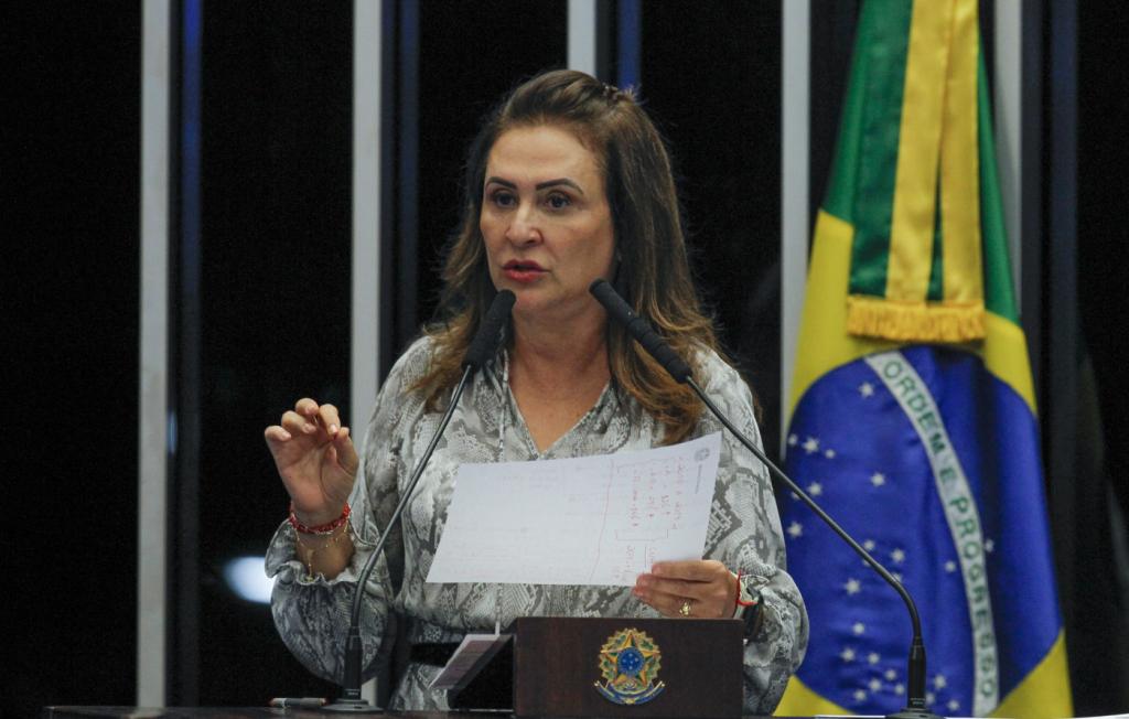 Kátia Abreu defende CNH gratuita e fim da obrigatoriedade de autoescola – Jovem Pan