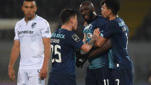 Polícia identifica torcedores que fizeram insultos racistas a jogador do Porto