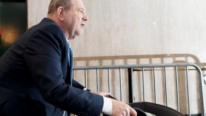 Autoridades adotam medidas para que Harvey Weinstein não se automutile na prisão