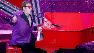 Com pneumonia, Elton John perde a voz e abandona show na Nova Zelândia