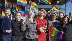 Suíça aprova em referendo a criminalização da homofobia