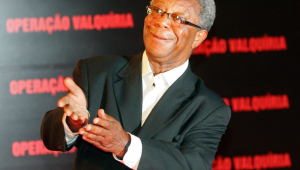 Milton Gonçalves permanece internado em hospital do Rio