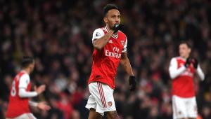 Arsenal bate Everton, vence a 2ª seguida e se mantém vivo por vaga