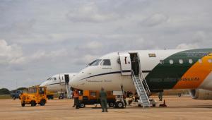 Após decisão de Bolsonaro, novo decreto limita uso de voos da FAB