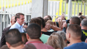 Bolsonaro volta a Brasília após feriado no Guarujá