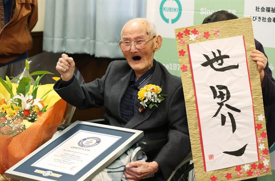 Homem mais velho do mundo morre aos 112 anos no Japão – Jovem Pan