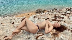 Claudia Raia sobre foto nua aos 53 anos: 'Amo minha idade, meu corpo e toda minha história'