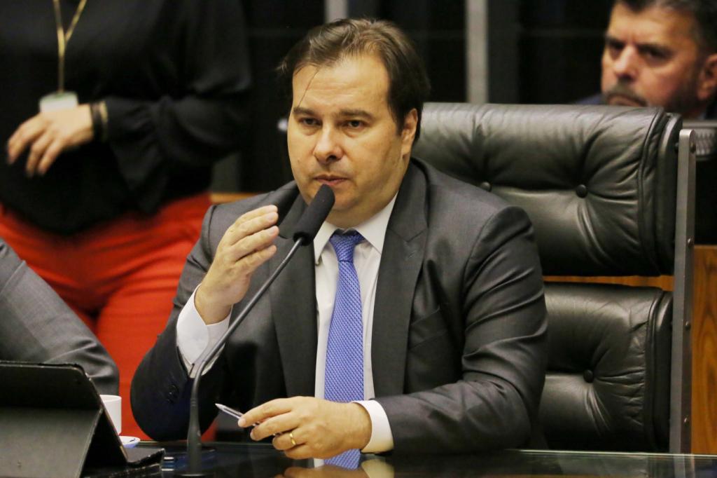 'Nunca vou elogiar o ministro da Educação', diz Rodrigo Maia – Jovem Pan