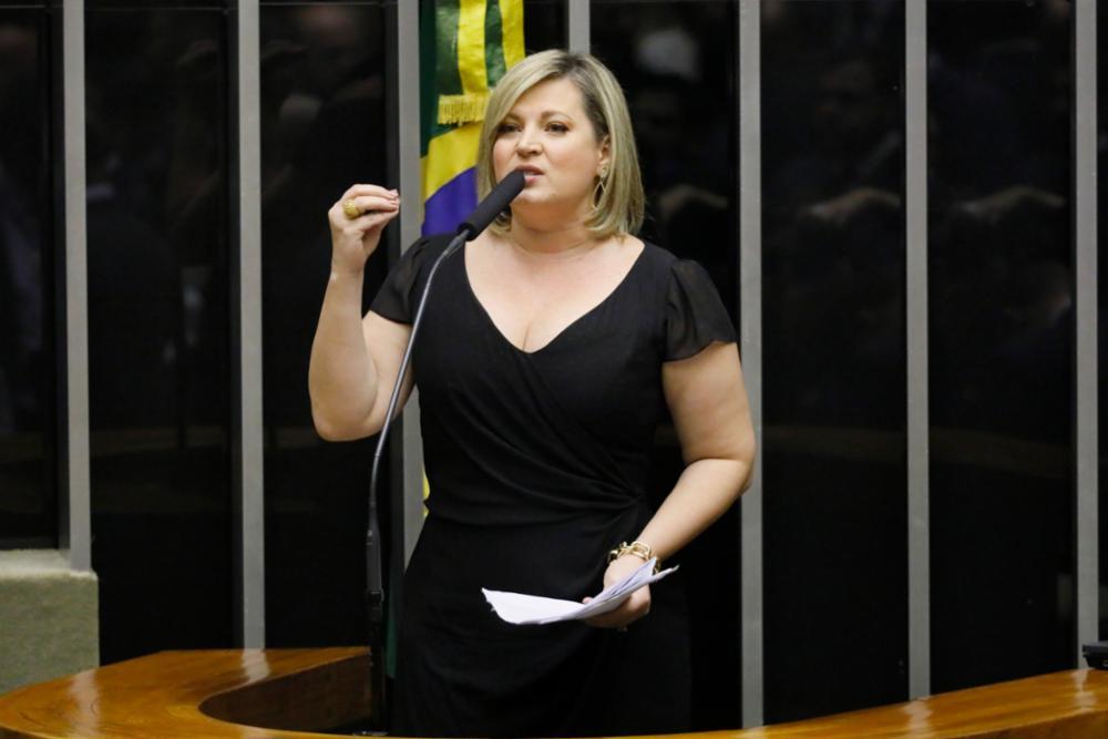 Joice nega briga com Bolsonaro, mas diz que ele está 'fritando' Moro – Jovem Pan