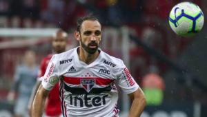 Juanfran mira título pelo São Paulo: 'Não posso voltar para a Espanha sem ser campeão'