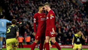 Premier League deverá proibir comemoração de gol em grupo devido à Covid-19